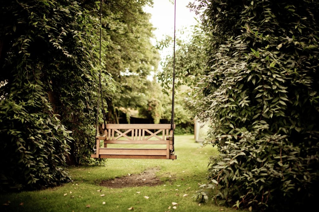 An empty swing. Clemmons Family Law focuses on divorce and divorce judgments. Photo by Rene Asmussen from Pexels